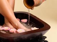 Ванночки для ног в домашних условиях: простые и эффективные рецепты размягчающие кожу (62 фото + видео)