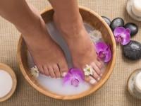 Ванночки для ног в домашних условиях: простые и эффективные рецепты размягчающие кожу (инструкция с фото и видео)