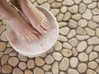 Ванночки для ног с солью — есть польза? Ответ смотрите здесь! Подробная инструкция как подготовить и использовать ванночку для ног