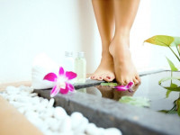 Ванночки для ног с солью: что нужно знать про соль и дополнительные ингредиенты (75 фото + видео)