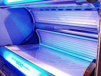 Как загорать в солярии: зависимость время сеанса от вида кожи. Рекомендации специалистов + 75 фото