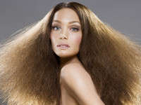 Пушатся волосы — что делать? Избавляемся от неприятного эффекта + фото