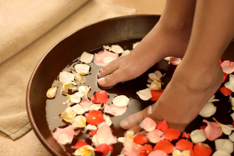 Foot baths at home 11