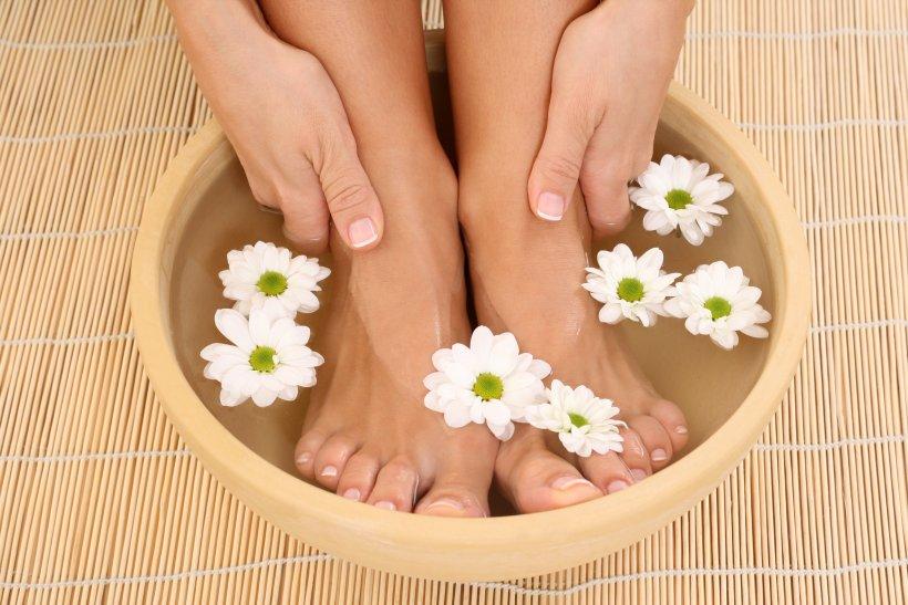 Foot baths with salt 12