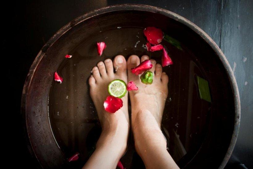 Foot baths with salt 2 1