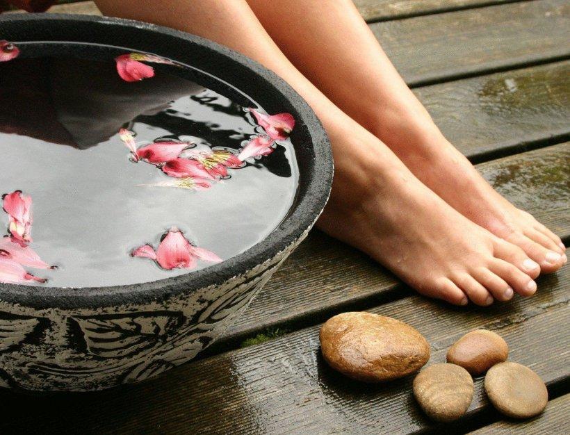 Foot baths with salt 2