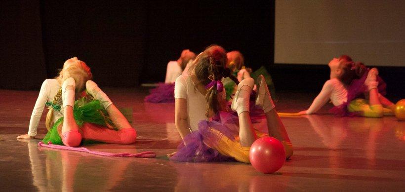 Tantsevalnaya gimnastika 55