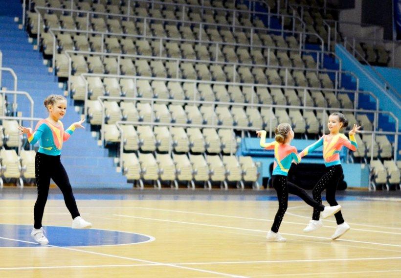 Tantsevalnaya gimnastika 81